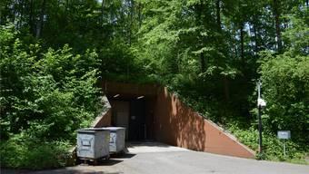 Der Eingang zur Notunterkunft (NUK) in Urdorf.
