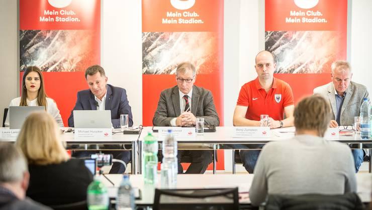 Die meinstadion.ch-Gruppe an der Pressekonferenz vor kurzem.