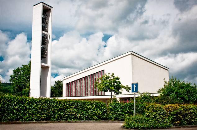 Die reformierten Kirchen von Turgi (Bild) und Villmergen sind die einzigen landeskirchlichen Kirchen, bei denen ein Abriss diskutiert wird.
