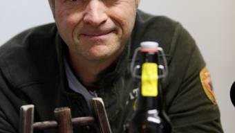 «Spezielle Beziehung zu Bier» Brauer Reto Wetzel mit «Ammeler Gugger».