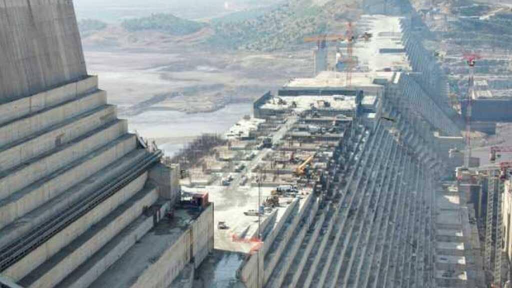 Der Grand Ethiopian Renaissance Dam am Blauen Nil. Er provozierte - wie zuvor der Staudamm Gibe III - Spannungen zwischen Äthiopien und seinen Nachbarn. Ein von der ETH mitgeplantes Strategietool soll Anrainerstaaten von Flüssen helfen, Wasserressourcen fair zu verteilen (Archivbild).