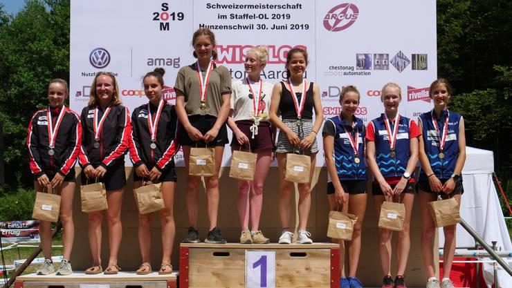 Die Aargauer D18-Damen holen die Bronze-Medaille (Argus/Cordoba): Sanna Hotz, Pierina Meier, Eline Erne v.l.