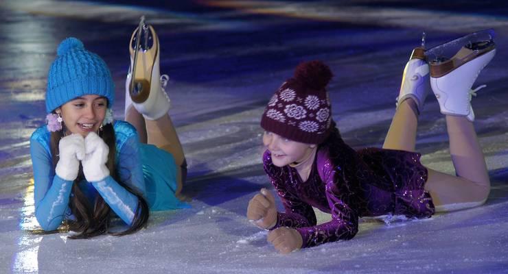 Erste Kontakte mit dem Eis für die Jüngsten.