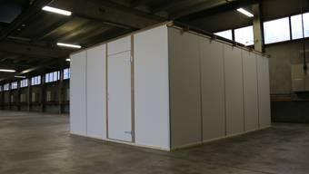 Im früheren A3-Werkhof in Frick testet der Kanton Baselland diese Hüttenkonstruktion für Asylbewerber.