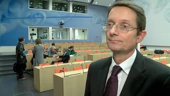 Die Nagra stellte heute ihre Vorschläge zu den Standorten für Atommüll vor. Sie hat sich vorerst für die Regionen Zürich Nordost sowie Jura Ost entschieden. Wie es zu dieser Entscheidung kam, erklärt Thomas Ernst, Vorsitzender Geschäftsleitung Nagra.
