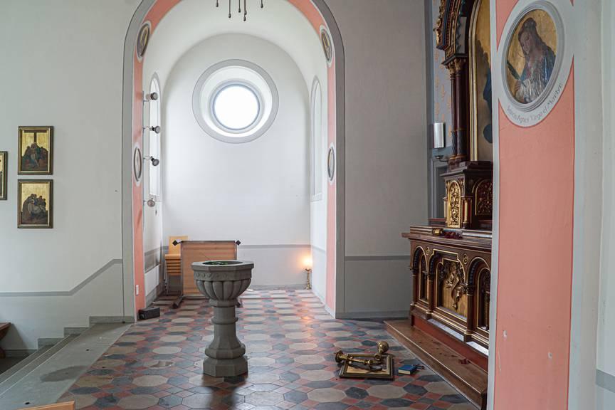 Auch im Innern der Kapelle wurden Gegenstände beschädigt.