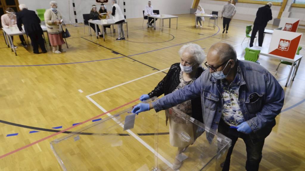 Präsidenten-Stichwahl in Polen beginnt