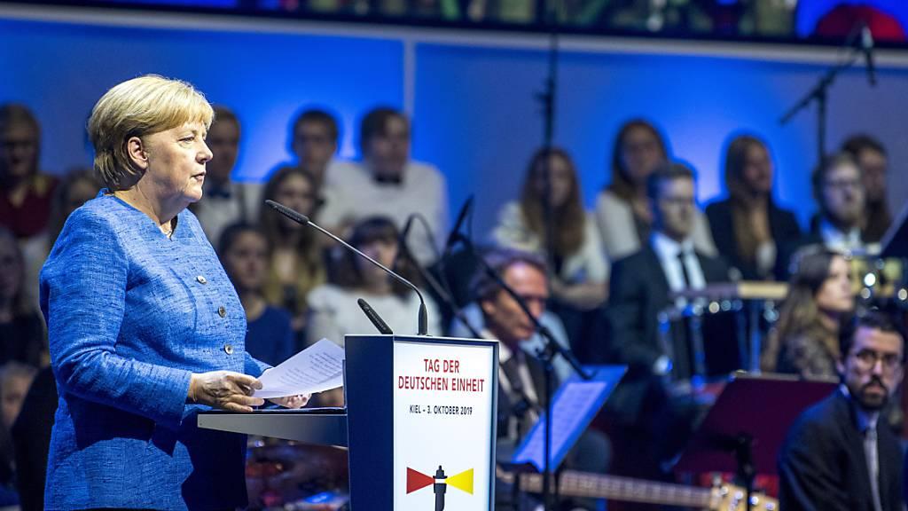 Merkel wirbt für Verständnis zwischen Ost- und Westdeutschen