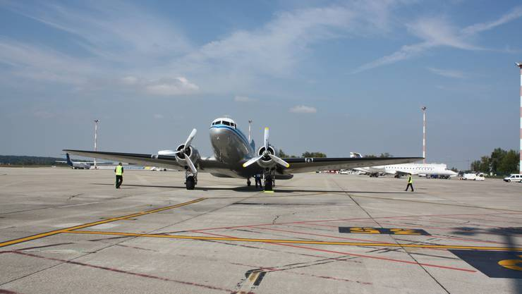 Am EuroAirport landen während der Art unzählige Privatjets der Superreichen. (Archiv)