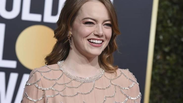 """Emma Stone hat sich im Januar 2019 bei den 76. Golden Globe Awards für ihre asiatische Rolle im Film """"Aloha"""" entschuldigt."""