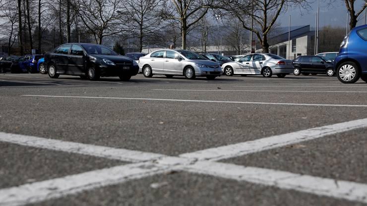 Parkplatz beim Sportzentrum Zuchwil