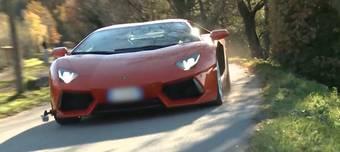 Das schöne Wetter vom Wochenende lockte die Temposünder auf die Strassen. Die Kantonspolizei erwischte auf der Staffeleggstrasse mehrere Sportwagenfahrer.