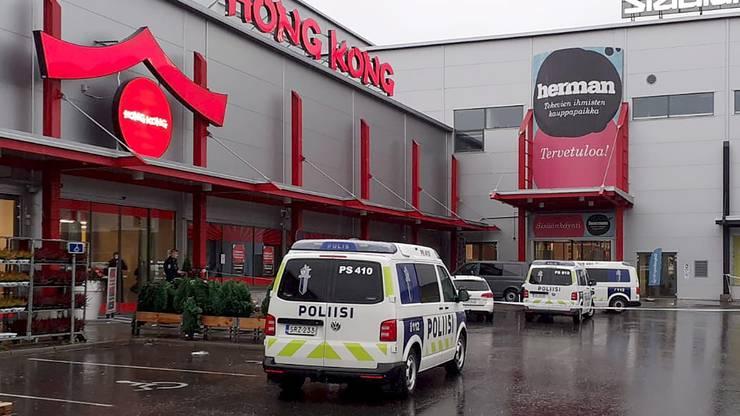 Das Einkaufszentrum wurde abgesperrt.