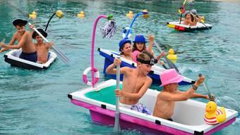 Badewannenrennen in der Badi Olten