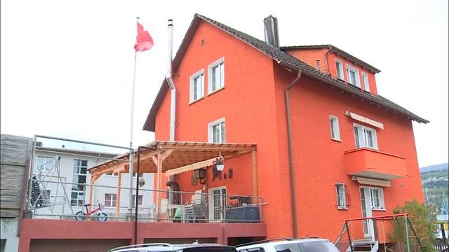 Zoff um oranges Haus in Biel