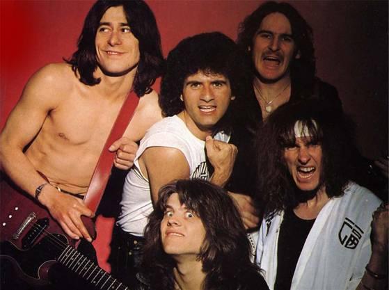 Krokus 1980: (oben) Tommy Kiefer, Marc Storace, Fernando von Arb, (unten) Freddy Steady und Chris von Rohr.