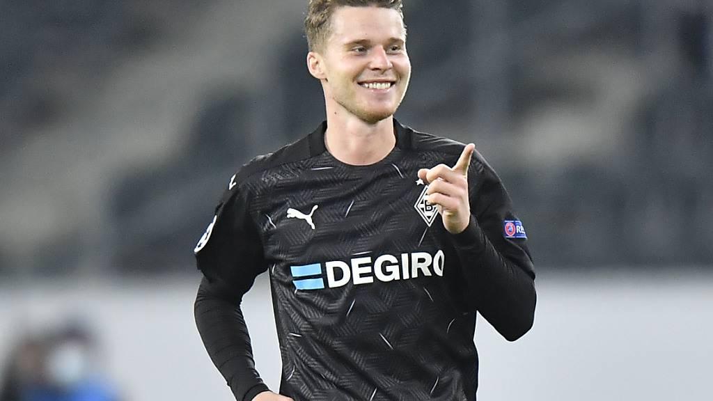 Nico Elvedi bleibt bis 2024 bei Mönchengladbach
