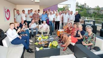Die Unterstützer des STV Baden Handball trafen sich zum traditionellen Vorsaison-Apéro auf der Dachterrasse des Hotels Linde.