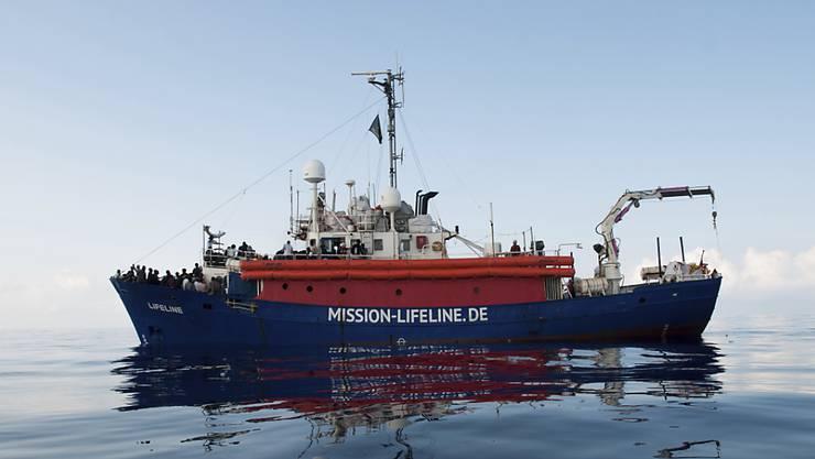 Das Rettungsschiff der Hilfsorganisation Mission Lifeline ist vor Malta blockiert.  Am Montag wird aufziehender Sturm erwartet. (Archivbild)