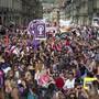 Sie SP will das Momentum des Frauenstreiks für eine Gleichstellungsinitiative nutzen. Das Thema ermittelt sie in einer Online-Abstimmung. (Archivbild)