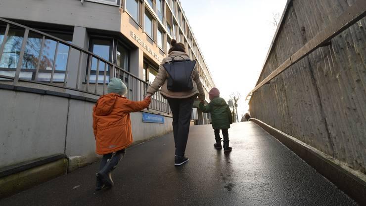Kinder mit Therapiebedarf laufen beim Basler Erziehungsdepartement auf.