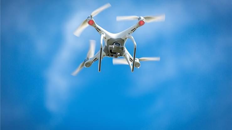 Kollisionswarngeräte von Verkehrsflugzeugen können Drohnen nicht erkennen. bz-Archiv