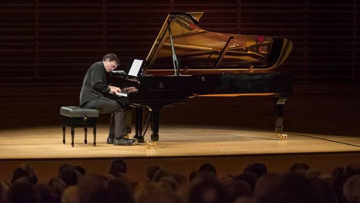 Eine Übung des Hörens? Eine Meditation? Der Franzose Pierre-Laurent Aimard spielt im KKL Bachs «Wohltemperiertes Klavier».