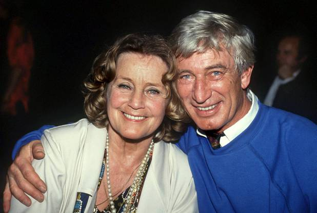 """Rauch und seine TV-Ehefrau Maria Schell aus der Serie """"Eine Glückliche Familie"""", aufgenommen am 21. Dezember 1989 in München."""