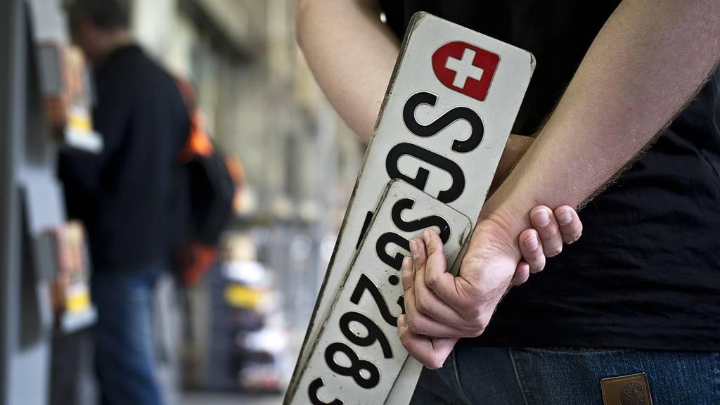 Nummernschilder sind für den Kanton St.Gallen ein lukratives Geschäft.
