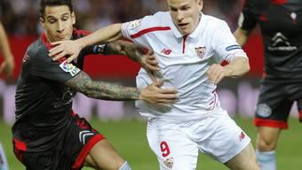 Kevin Gameiro (rechts) vom FC Sevilla war im Hinspiel des spanischen Cup-Halbfinals gegen Celta Vigo (4:0) kaum zu stoppen. Trotz eines verschossenen Penaltys in der ersten Halbzeit durfte sich der Franzose als zweifacher Torschütze auszeichnen