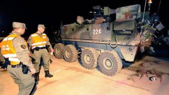 Einer der Piranha-Panzer am Unfallort in Bure