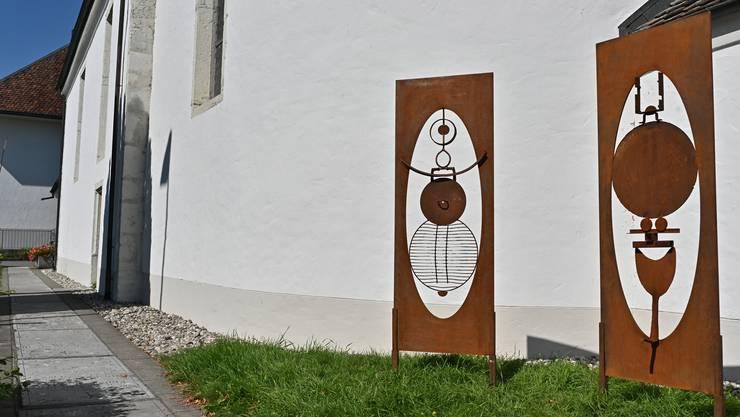 Aussenausstellung Judith Nussbaumer bei der Alten Kirche Härkingen
