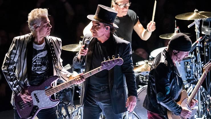 Die Rockband U2 hat Millionen für den Kampf gegen das Coronavirus gespendet. (Archivbild)