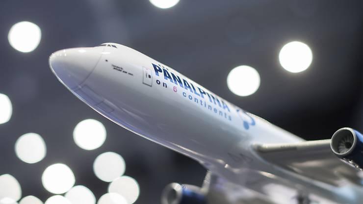 Der Logistikkonzern Panalpina hat Startschwierigkeiten: Sowohl des Gewinn als auch der Umsatz blieben im ersten Quartal hinter den Vorjahreszahlen zurück.