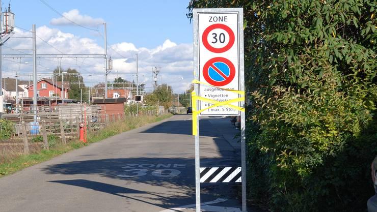Noch sind die Schilder abgeklebt, ab dem 16. November gelten sie. sh