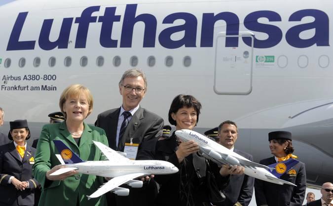 2010 mit Kanzlerin Merkel und Bundesrätin Leuthard an der Eröffnung der internationalen Flugschau in Berlin.