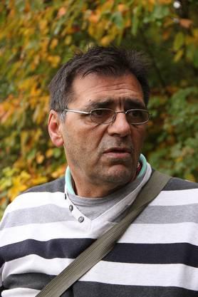 """Martinovic arbeitet immer mit einem Trüffelhund zusammen. Er ist aber sogar ohne Hund in der Lage Trüffel zu finden. In der Schweiz ist erdeswegen als """"Trüffelpapst"""" bekannt."""
