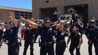 An Kreativität nur schwer zu überbieten: Die tanzenden Polizisten aus Virginia.
