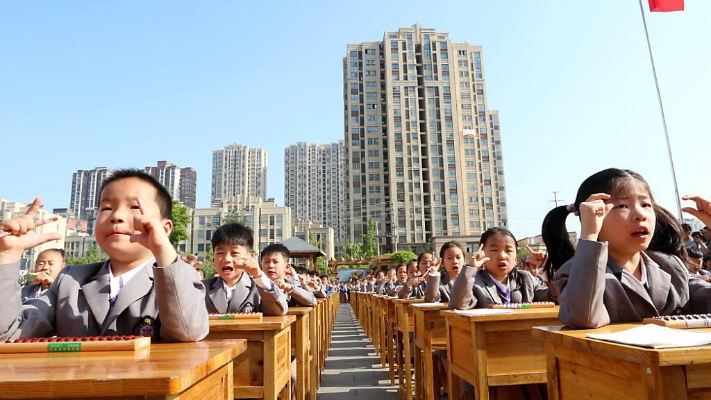 China schafft Prüfungen für Erst- und Zweitklässler ab