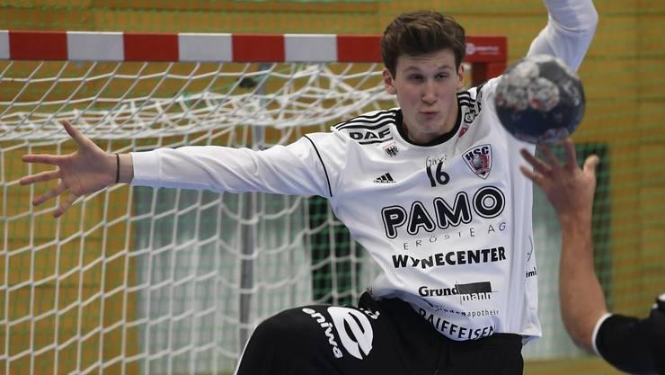 Torhütertalent Leo Grazioli hat seinen Vertrag beim HSC Suhr Aarau bis zum Ende der Saison 2022/23 verlängert.