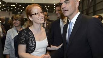 Isabelle Falconnier - hier 2015 mit Bundesrat Alain Berset - gibt nach sieben Jahren die Leitung der Genfer Buchmesse ab.