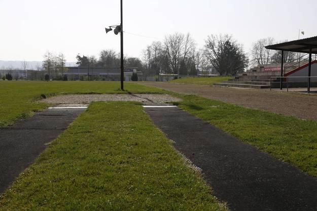 Der erste Versuch das Stadion zu sanieren wurde Ende der 80er-Jahren unternommen..