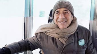 Für den SRF-Dokfilm reiste Roger Schawinski noch einmal auf den den Pizzo Groppera in Norditalien, von wo aus er 1979 mit einer riesigen Antenne Radio 24 nach Zürich ausstrahlte.