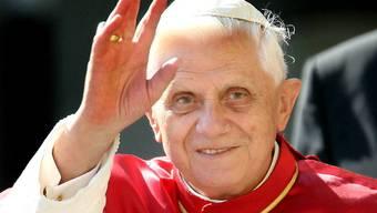 Bisher hatte die katholische Kirche die Benutzung von Kondomen untersagt; Papst Benedikt XVI. weicht diese Regel nun auf (Archiv)