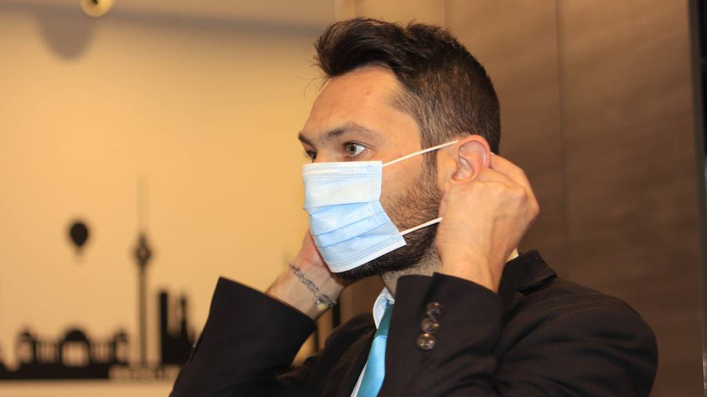Was passiert mit einem Maskenverweigerer am Arbeitsplatz?
