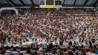 Die legendäre Eishalle Valascia bei Ambris traditioneller Team-Präsentation, die jeweils gut einen Monat vor dem Saisonstart im Programm steht