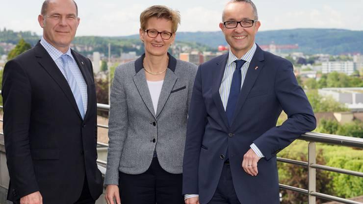 Schulterschluss auf der Dachterrasse der Baudirektion: CVP-Finanzdirektor Anton Lauber (l.), FDP-Baudirektorin Sabine Pegoraro, SVP-Wirtschaftsdirektor Thomas Weber.