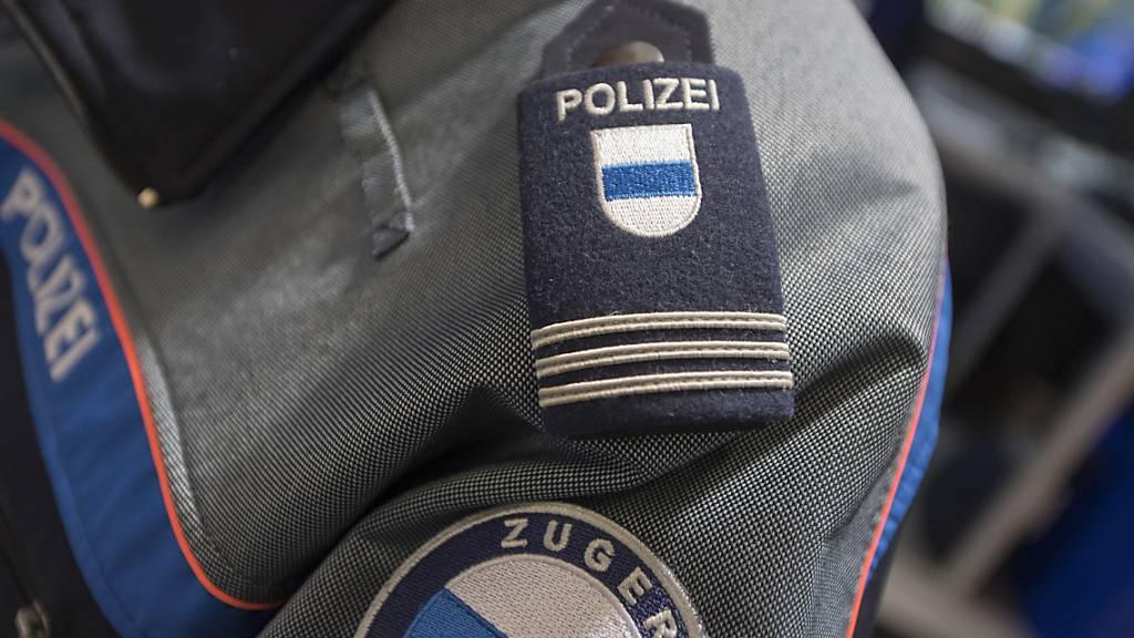Alkohol und Medikamente: Zuger Polizei stoppt zwei Autofahrer