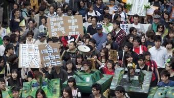 Tausende Menschen an Kundgebung in Hongkong