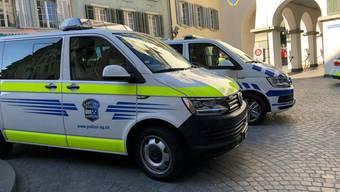 Nach einer Bombendrohung hat die Kantonspolizei Aargau am Donnerstag die Manor-Filiale in Baden evakuiert.
